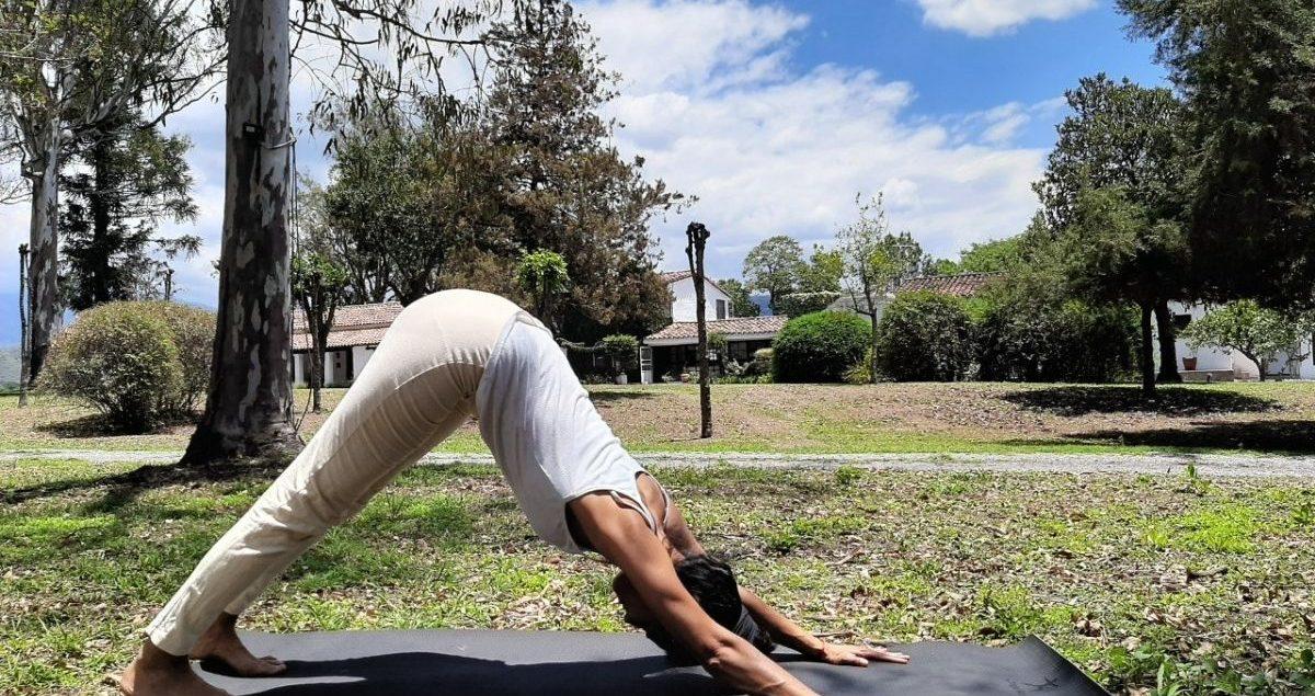 Yoga al aire libre House of Jasmines